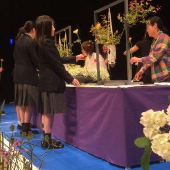 【クラブ】生け花に学ぶ 花は人なり